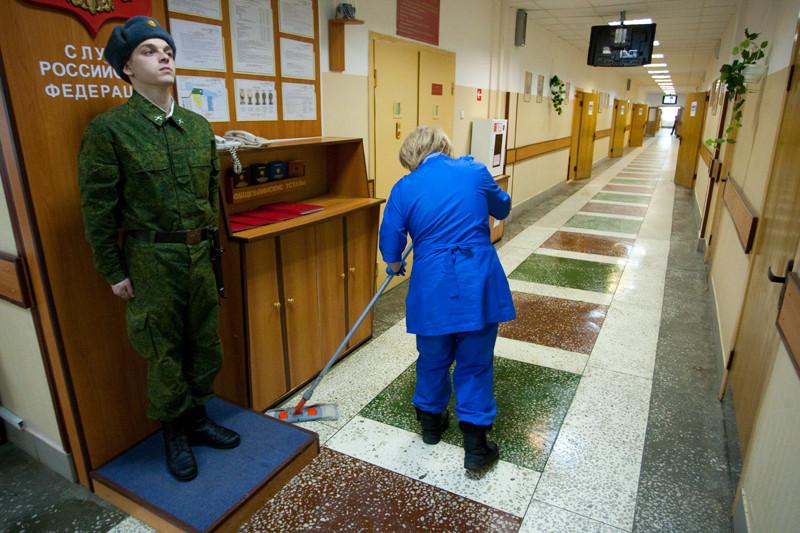 Клиниговым компаниям предстоит убираться не только в казармах и воинских частях, но и в штабе тыла, военных учебных заведениях и санаториях