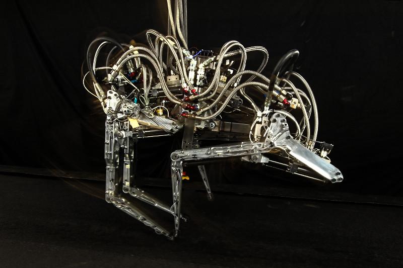 «Гепард» (Cheetah),  созданный  по заказу Агентства по перспективным оборонным научно-исследовательским разработкам США (DARPA)