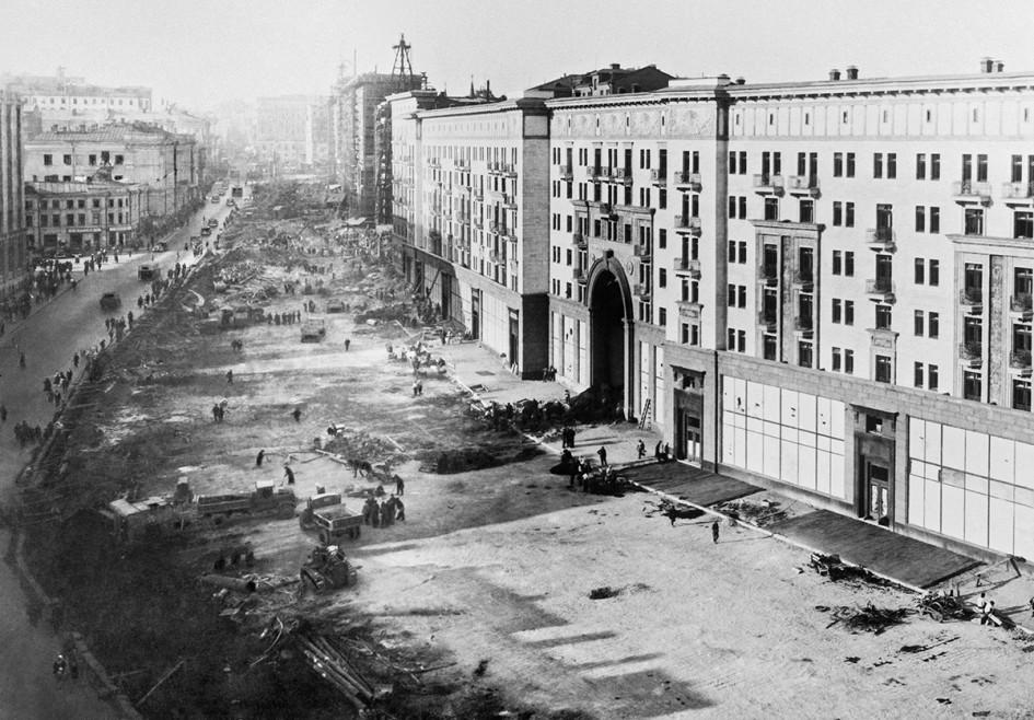 Реконструкция улицы Горького. 1937 год