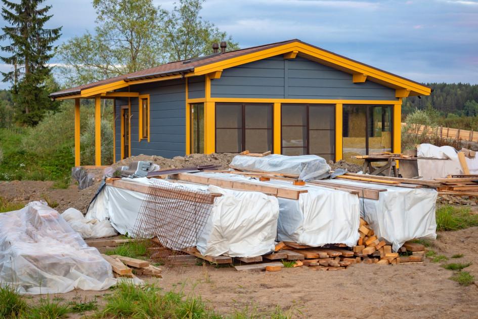 Недостроенный дом застраховать можно, но сложно и не во всех случаях