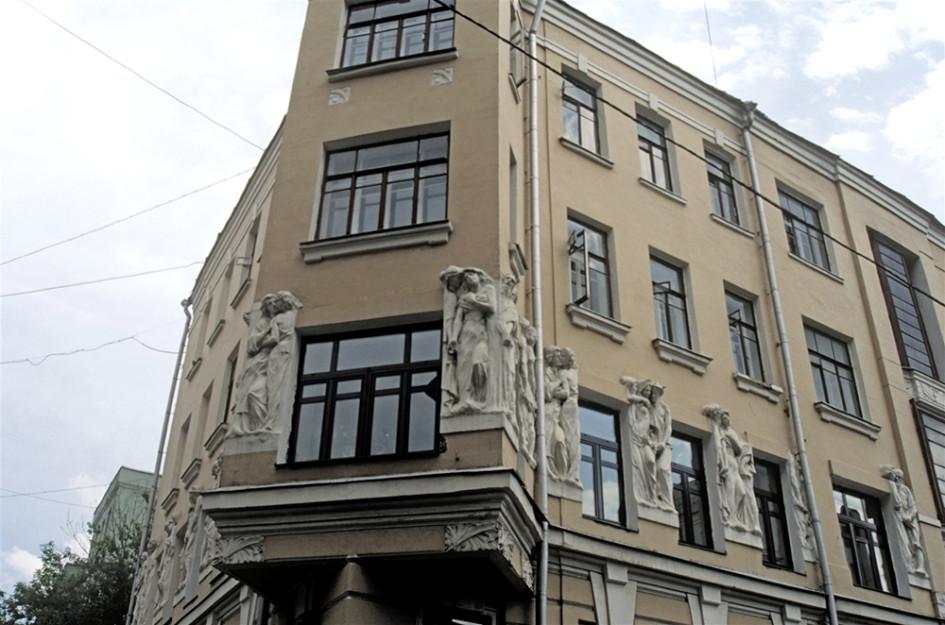 Одни из самых дорогих дореволюционных домов спрятались в переулках Арбата