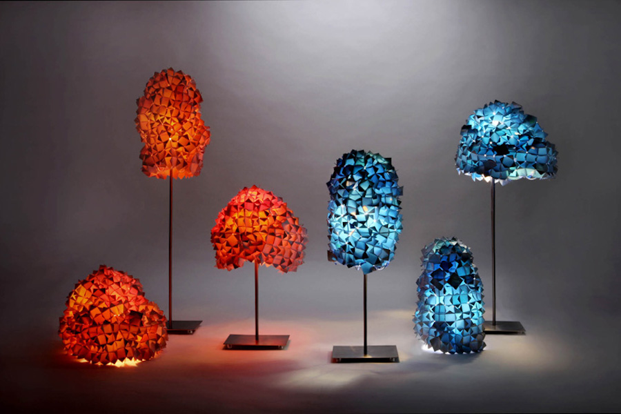 Светильники KaCaMa из фрагментов рекламных баннеров