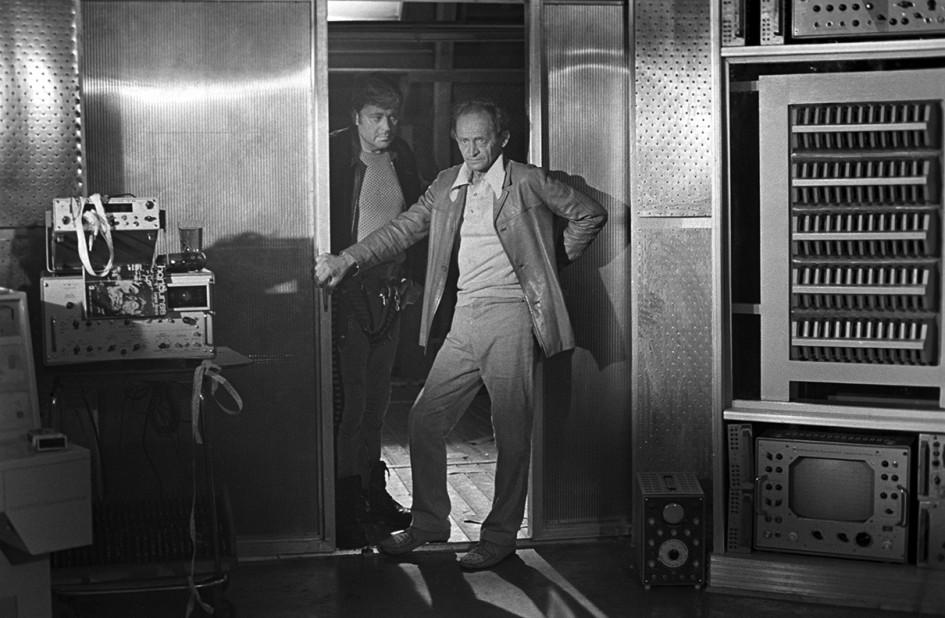 Актеры Донатас Банионис (слева) в роли Криса и Юри Ярвет в роли Снаута во время съемок фильма Андрея Тарковского «Солярис». 1971 год