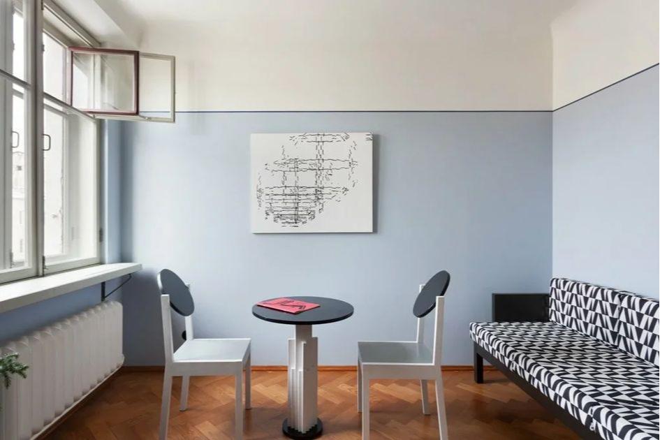 Необычный апгрейд советских стульев и дивана