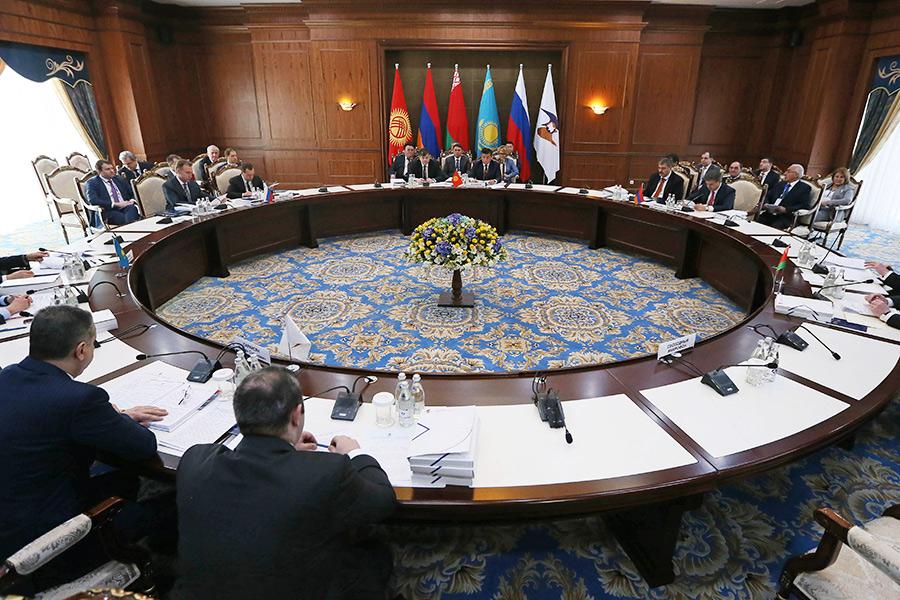 Заседание Евразийского межправительственного совета вузком составе