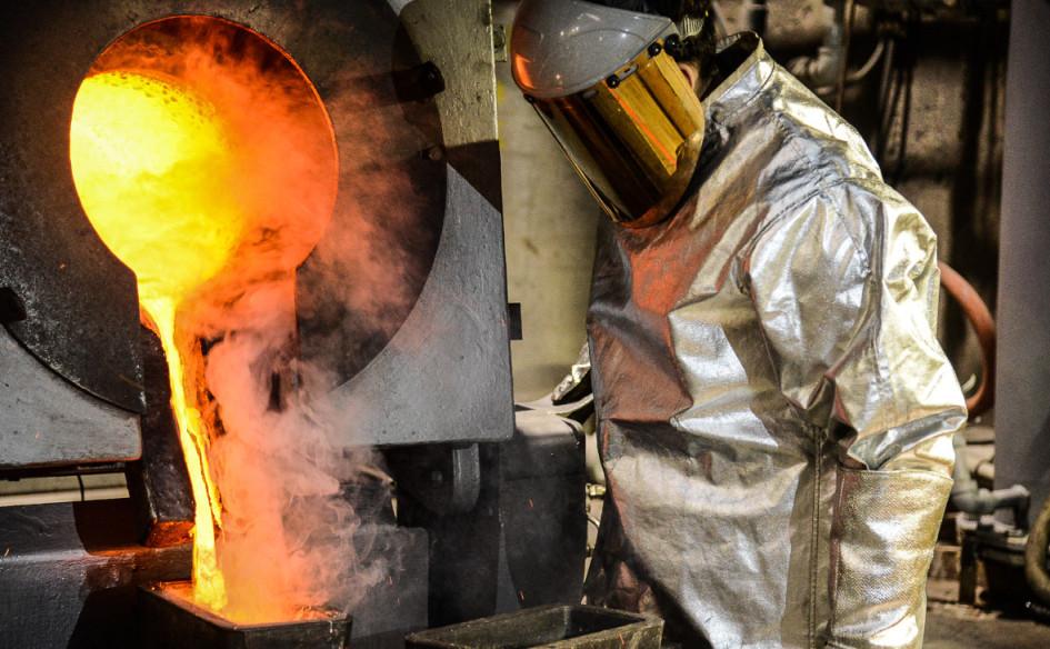 Выплавка сплава доре(золота, серебра и других металлов)на Кубакинской золотоизвлекательной фабрике «Полиметалла»