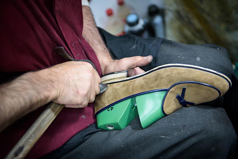 Производство обуви ручной работы вмастерской Migliori