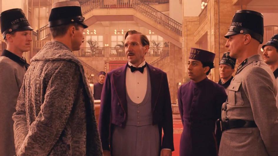 Фото: кадры из фильма «Отель «Гранд Будапешт» (реж. Андерсон)