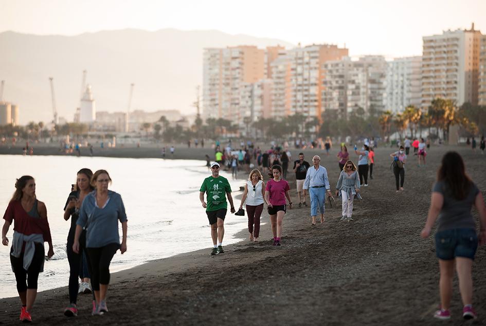 В Испании разрешили прогулки и занятия спортом на улице, установив временные окна для разных возрастных групп