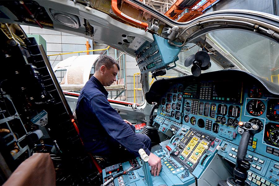 Кабина пилотов стратегического бомбардировщика ТУ-160