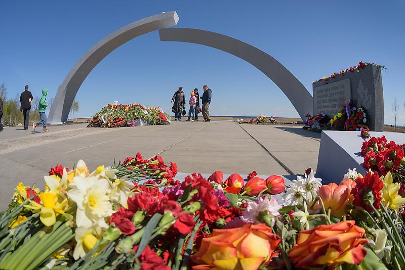 Памятник «Разорванное кольцо» в поселке Коккорево (Всеволожский район)
