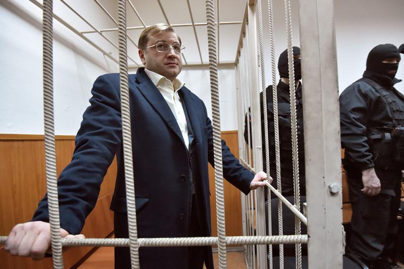 Собственник холдинга «Форум» Дмитрий Михальченко обвиняется вконтрабанде алкогольной продукции на2 млнруб.