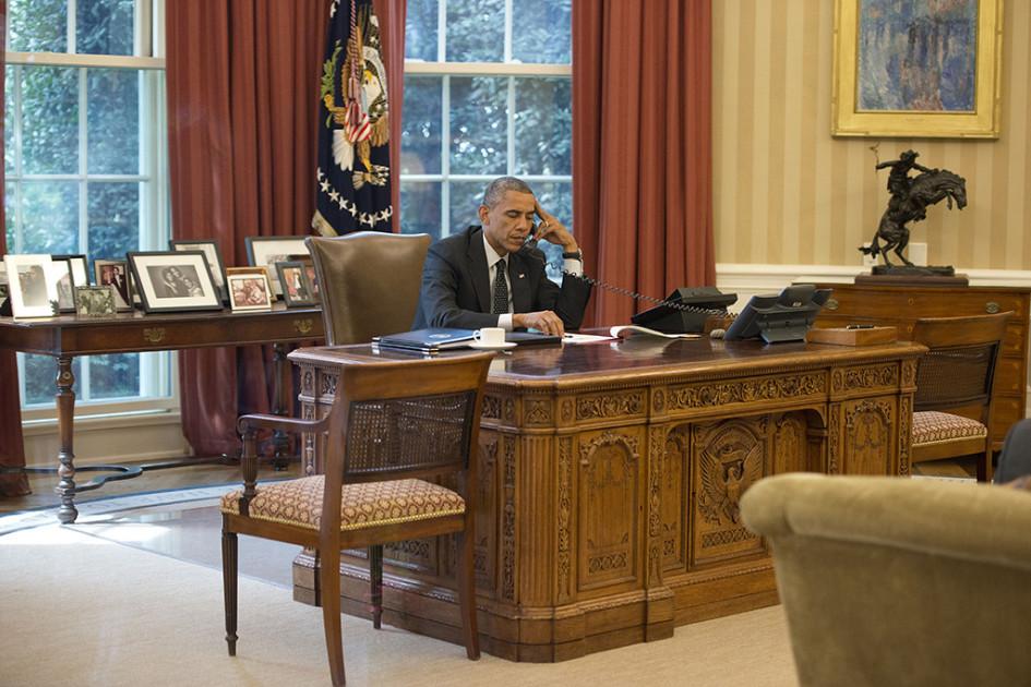 Барак Обама вОвальном кабинете в2014 году