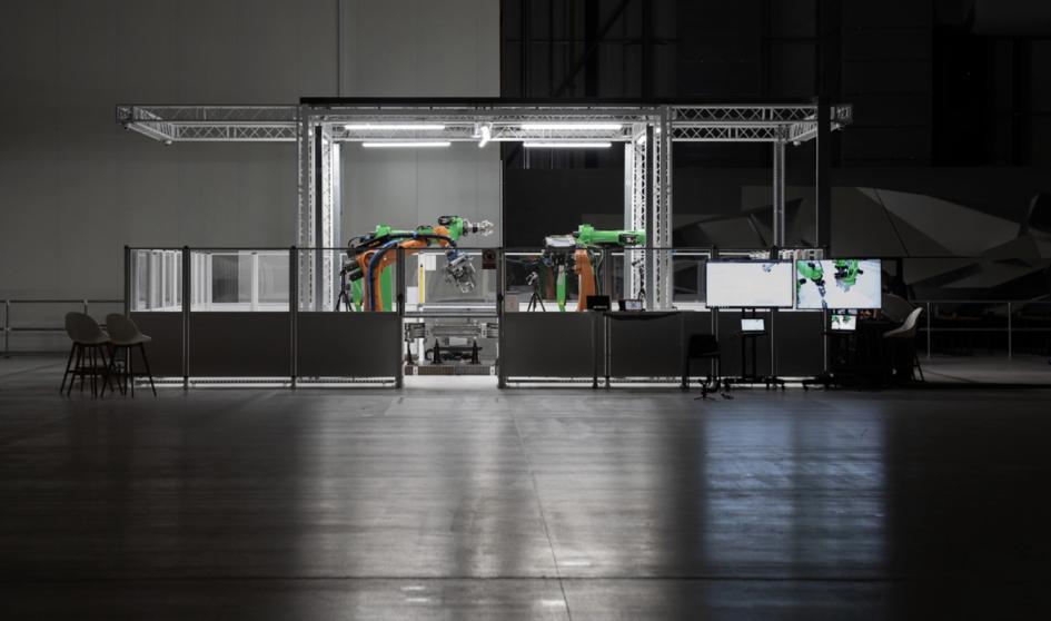 Производственная ячейка Arrival, в которой происходит сборка электромобилей