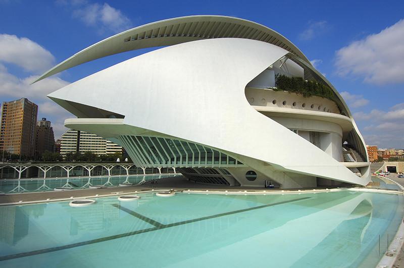 Дворец искусств королевы Софии в Испании