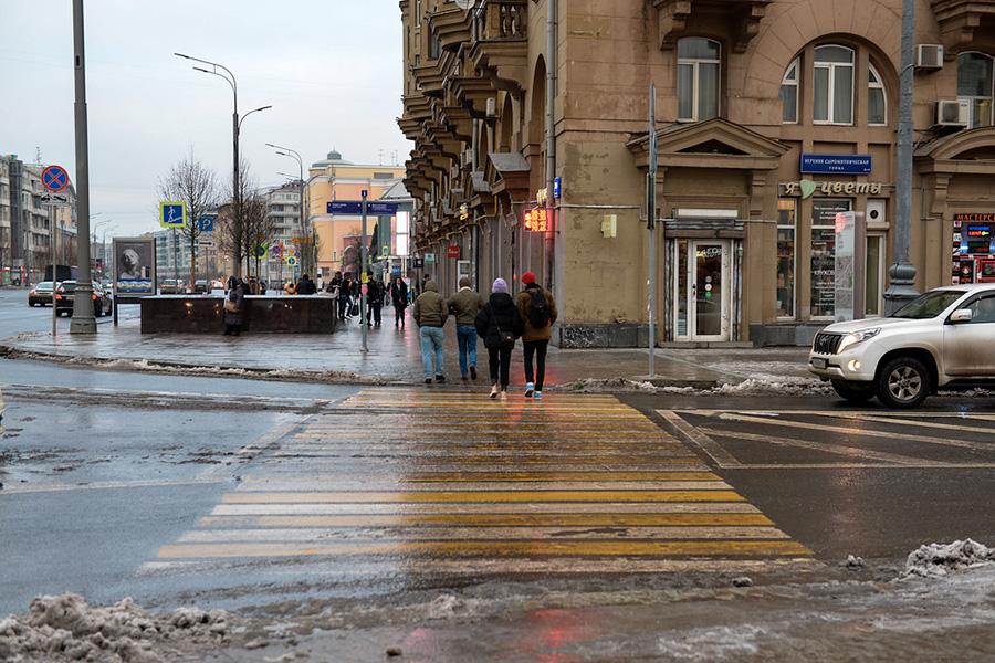 Пешеходный переходна улице Верхняя Сыромятническая до демонтажа
