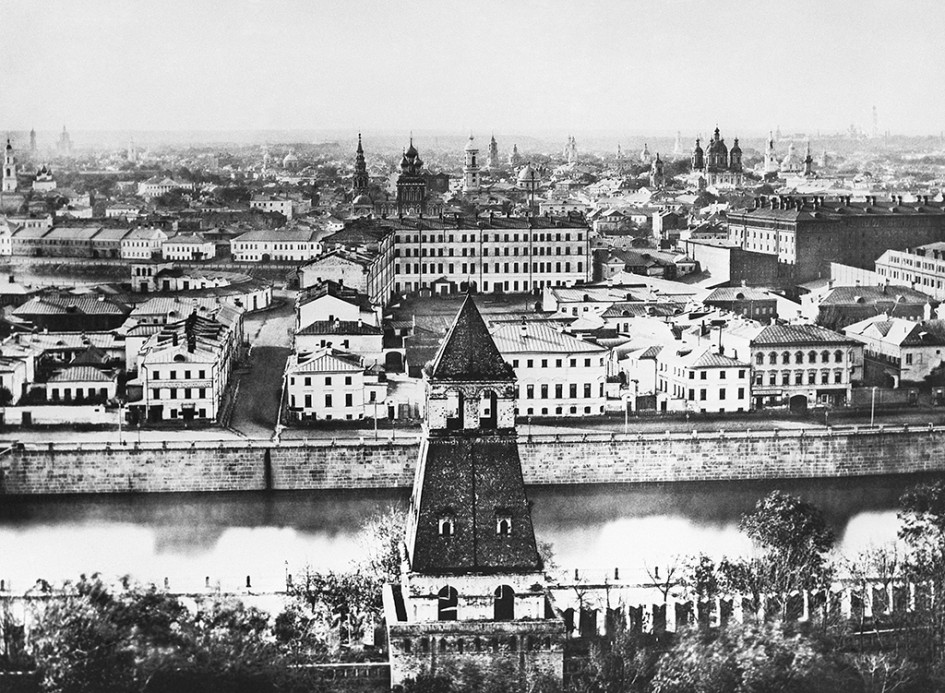 Вид на Замоскворечье с колокольни Ивана Великого. 1884 год