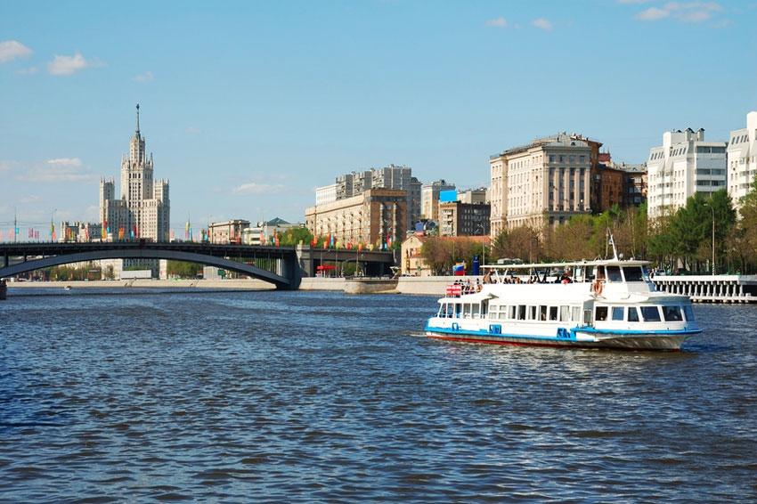 Сейчас предложение квартир на набережных крайне ограничено, а с видами на Москву-реку вариантов вообще единицы