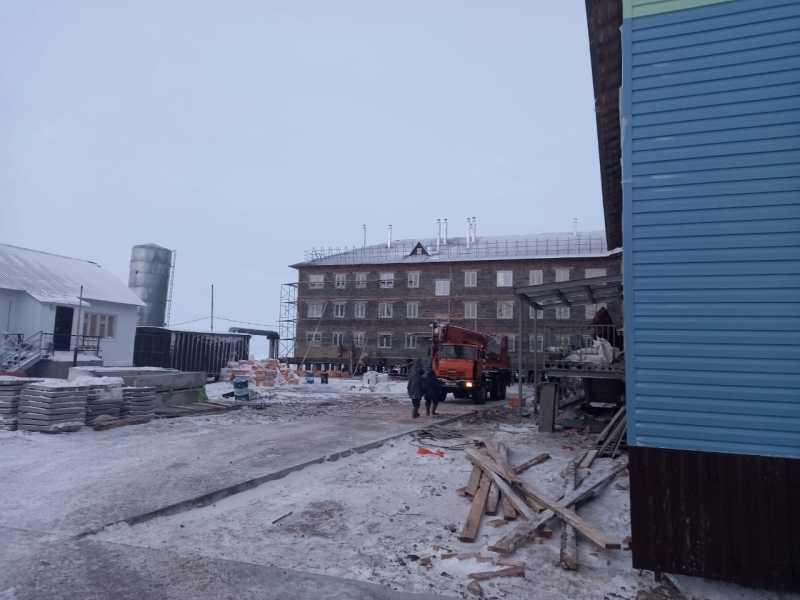 Самый северный дом России —в селе Гыда (Ямало-Ненецкий автономный округ)