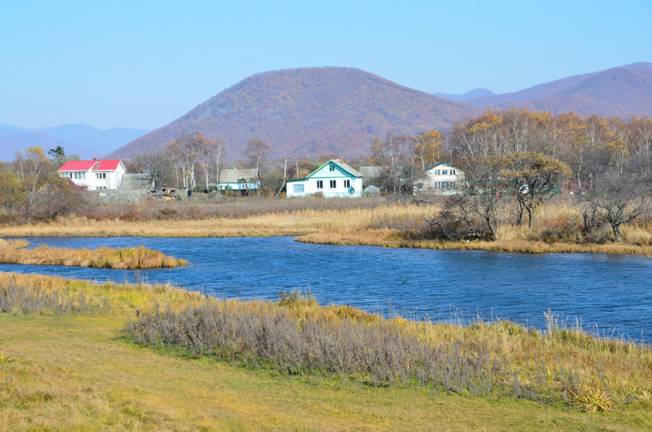 Виды поселка на берегу бухты Преображение Японского моря. Лазовский район, Приморский край