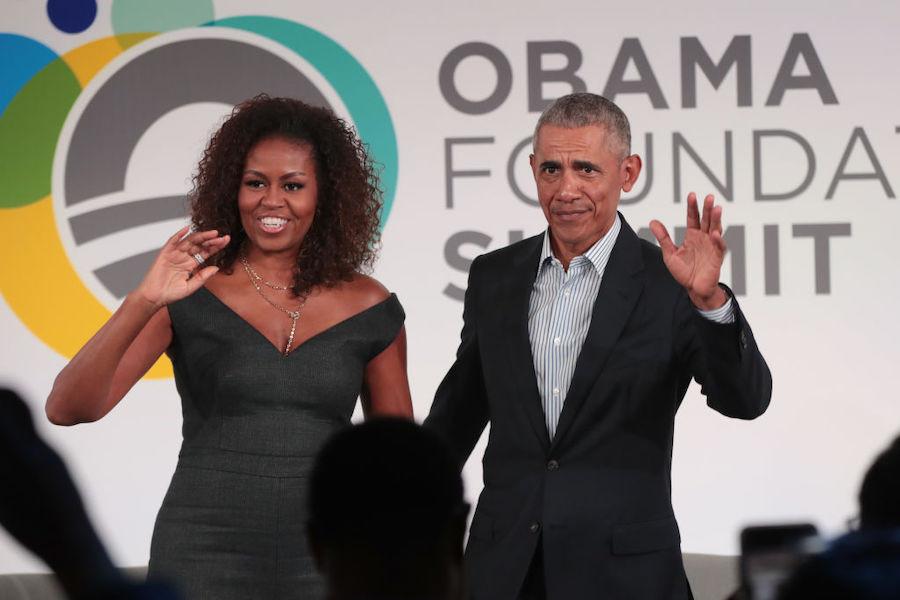 Экс-президент США Барак Обама с женой Мишель