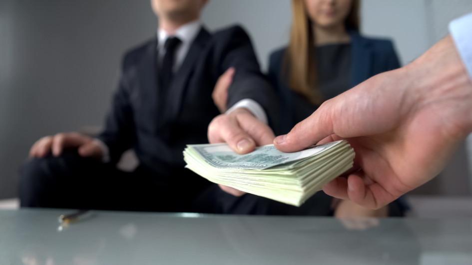 Риелторы утверждают, что налоги со сдачи квартир в аренду платят около 15% арендодателей