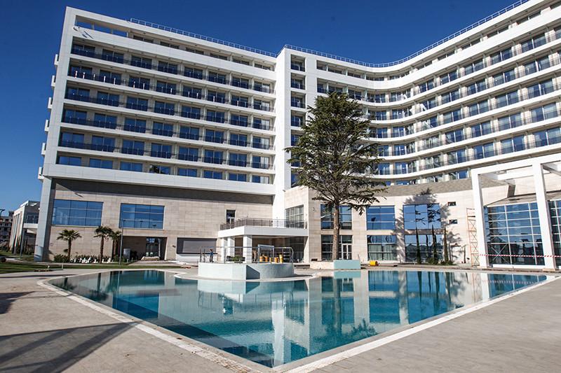 Территория пятизвездочного отеля Radisson Blu Resort & Congress Centre
