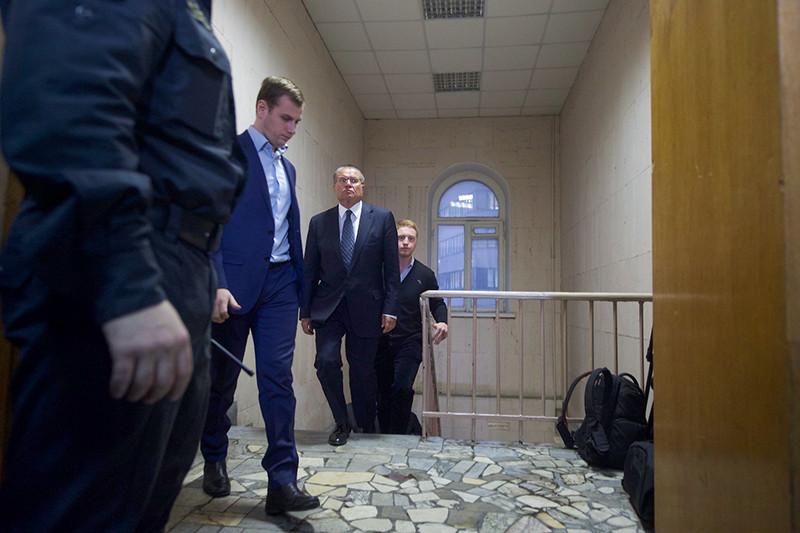 Алексей Улюкаев вБасманном суде.15 ноября 2016 года