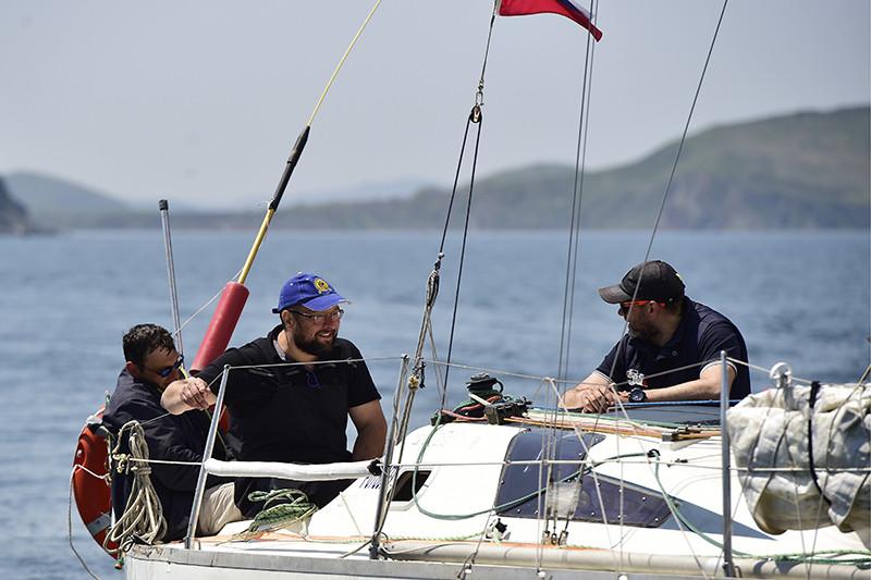 Члены экипажа российской яхты «Элфин»
