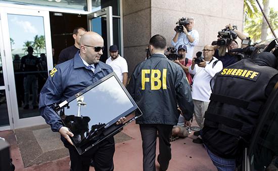 Обыск в штаб-квартире Конфедерации футбола Северной и Центральной Америки и стран Карибского бассейна (КОНКАКАФ) в Майами сотрудниками ФБР