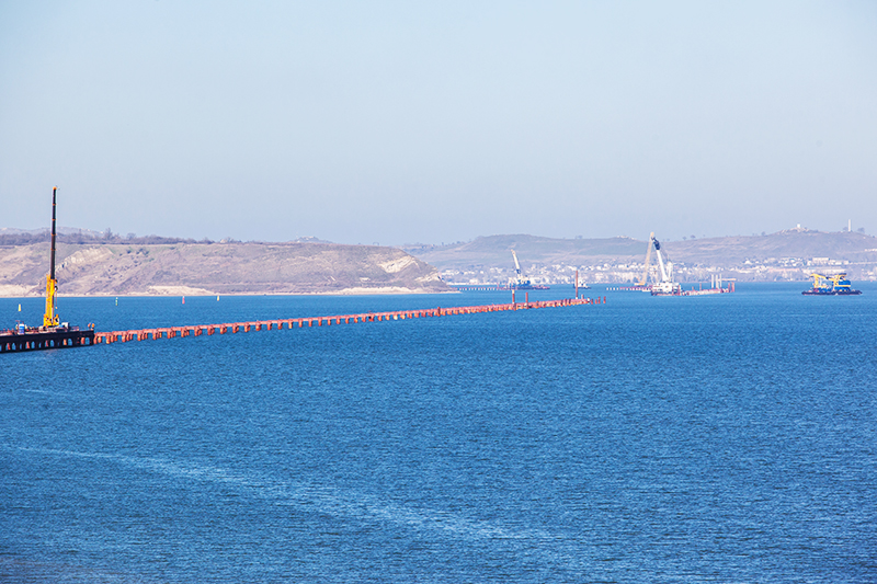 Подготовка акваториик началу стройки моста через Керченский пролив