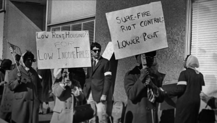 В течение 1969 года из-завысокой стоимости содержания городские власти подняли стоимость аренды жилья