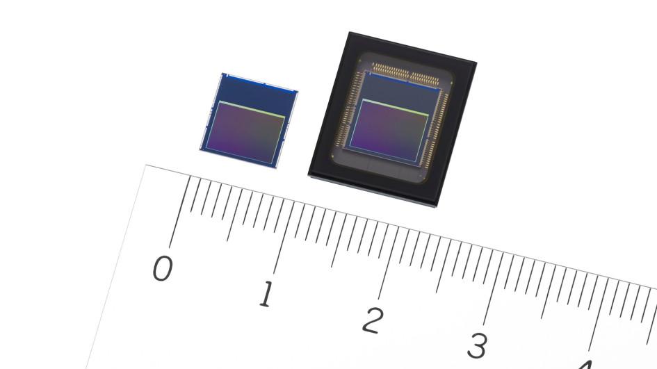 Сенсоры IMX500 (слева) и IMX501