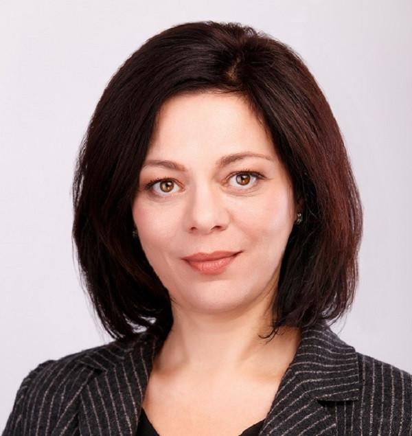 Анна Хвостова
