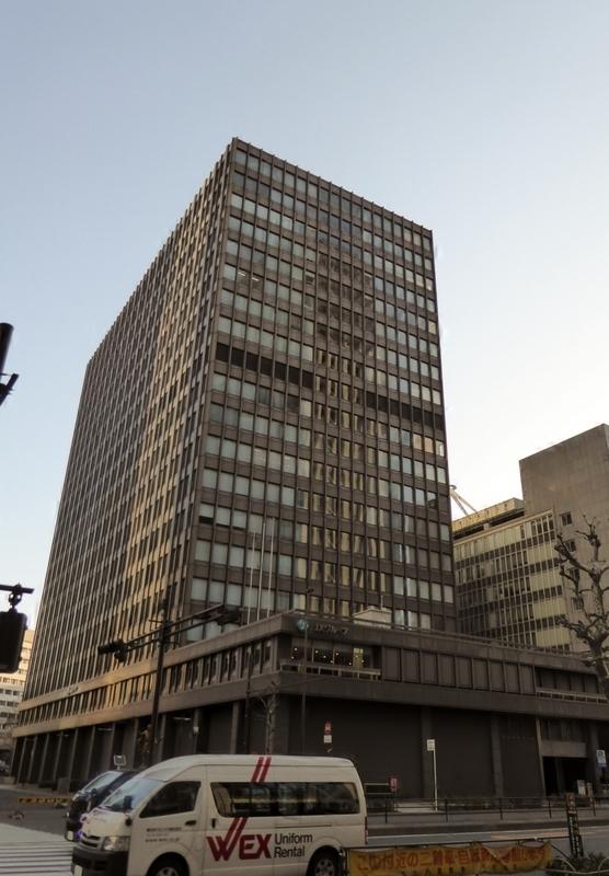 В настоящее время на месте будущего небоскреба стоит 20-этажное офисное здание JX Building, построенное в 1970 году