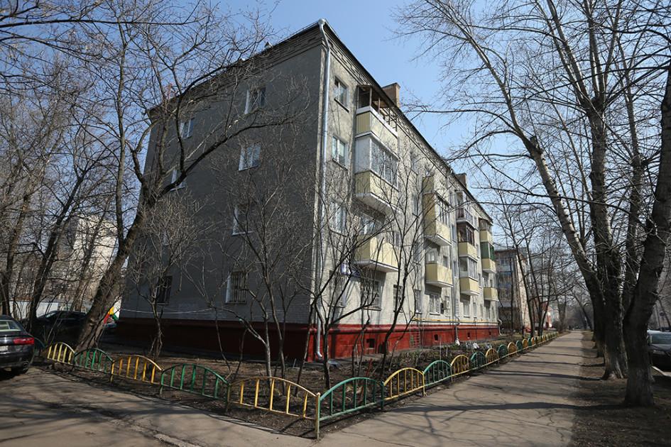 Кирпичный дом серии 1-447 на Таганрогской улице, 19
