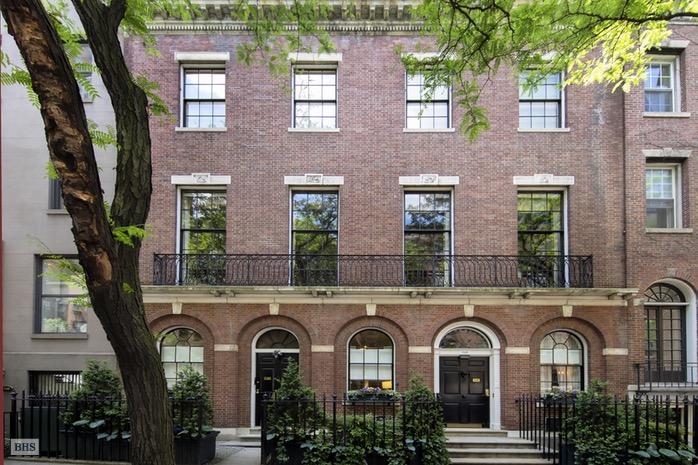 Фасад дома—один изсамых широких вВерхнем Ист–Сайде