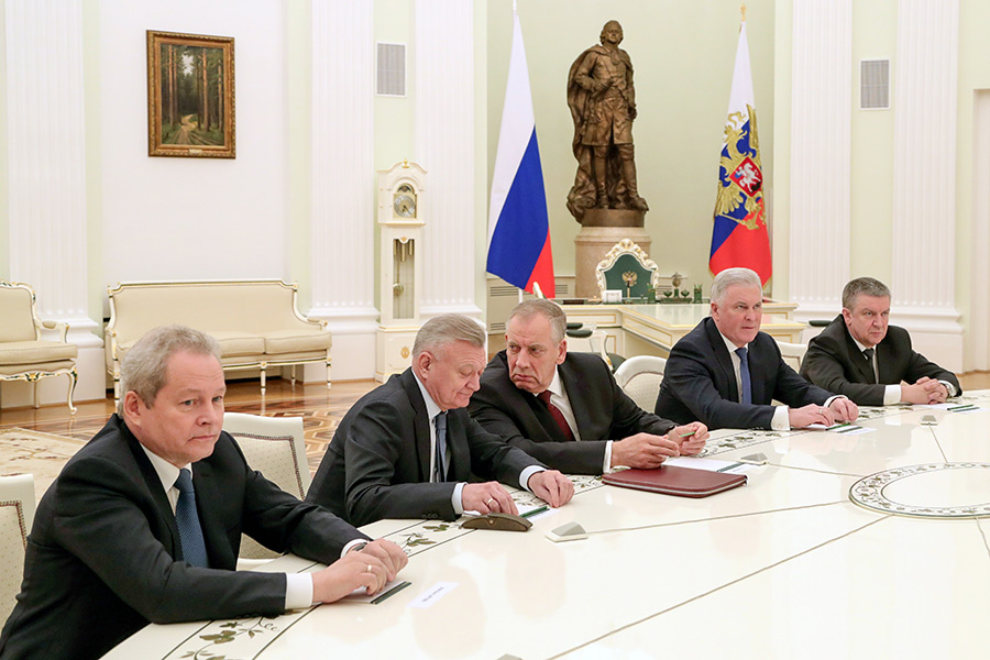Виктор Басаргин, Олег Ковалев, Сергей Митин, Вячеслав Наговицын иАлександр Худилайнен (слева направо)