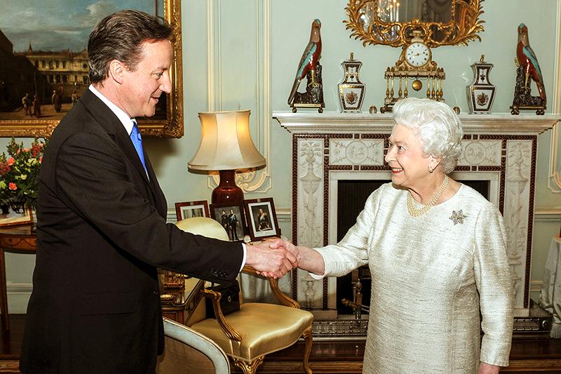 Дэвид Кэмерон икоролева Великобритании ЕлизаветаII, 2010 год