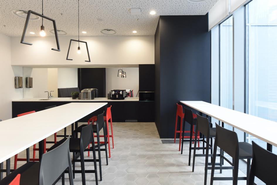 Кофе-поинты расположены на каждом этаже
