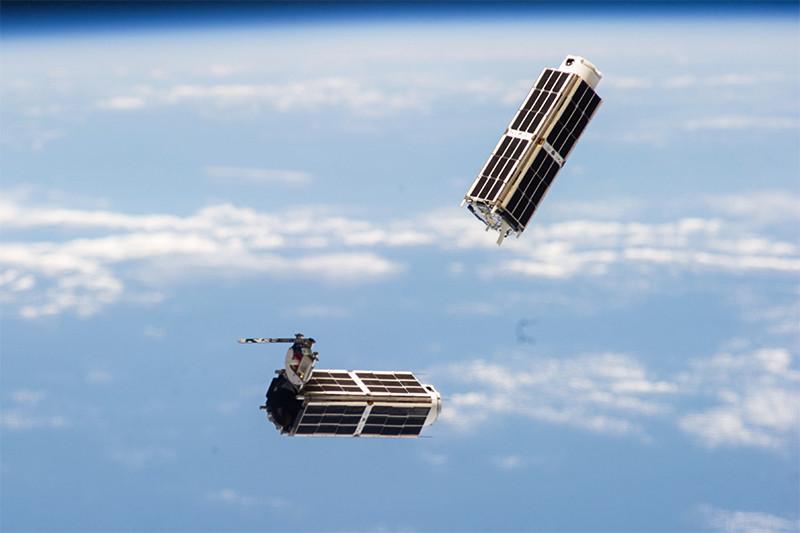 Компания Planet Labs, производитель спутников Dove (на фото) за последние два с половиной года привлекла более $180 млн инвестиций