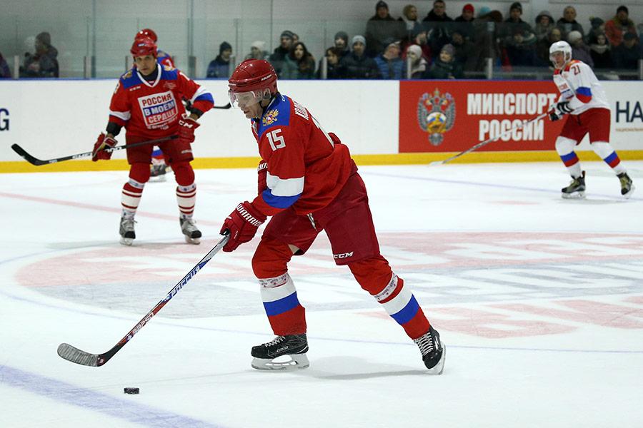 Павел Колобков (на первом плане)