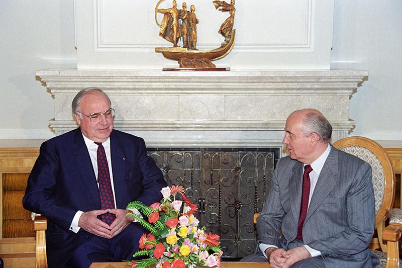Федеральный канцлер ФРГГельмут Коль и президент СССР Михаил Горбачев. 1991 год