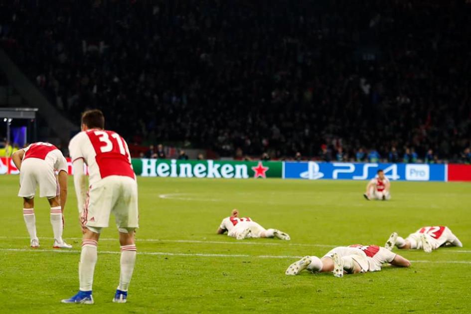 В полуфинале Лиги чемпионов 2018/19 «Аякс» пропустил гол от «Тоттенхэма» на пятой добавленной минуте и не попал в финал