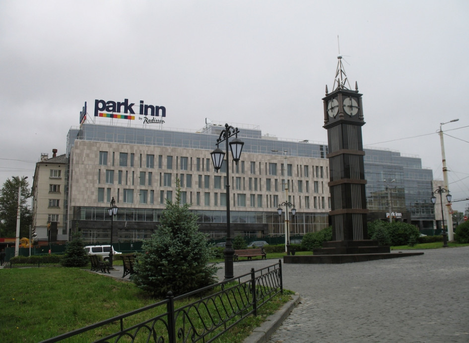 Биг-Бен на площади Гагарина в Петрозаводске