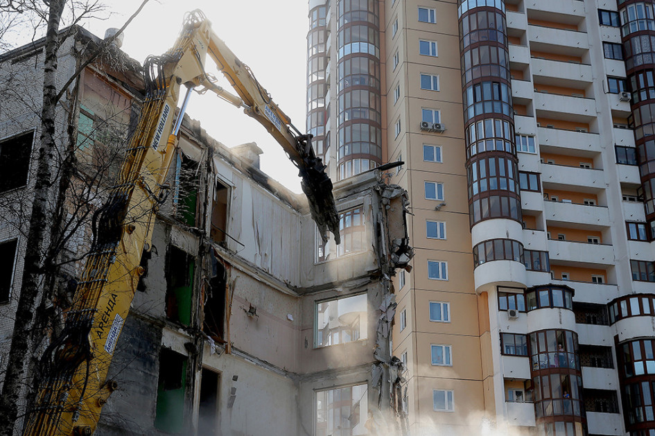 Во время сноса пятиэтажки наулице Вилиса Лациса вСеверном Тушине