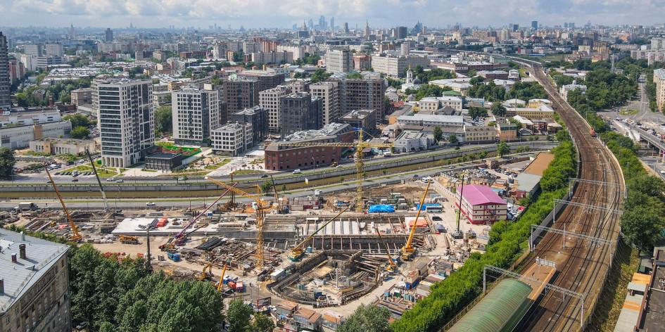 Вид на строящийся транспортно-пересадочный узел (ТПУ) на базе станций «Электрозаводская» Арбатско-Покровской и Большой кольцевой линий (БКЛ)