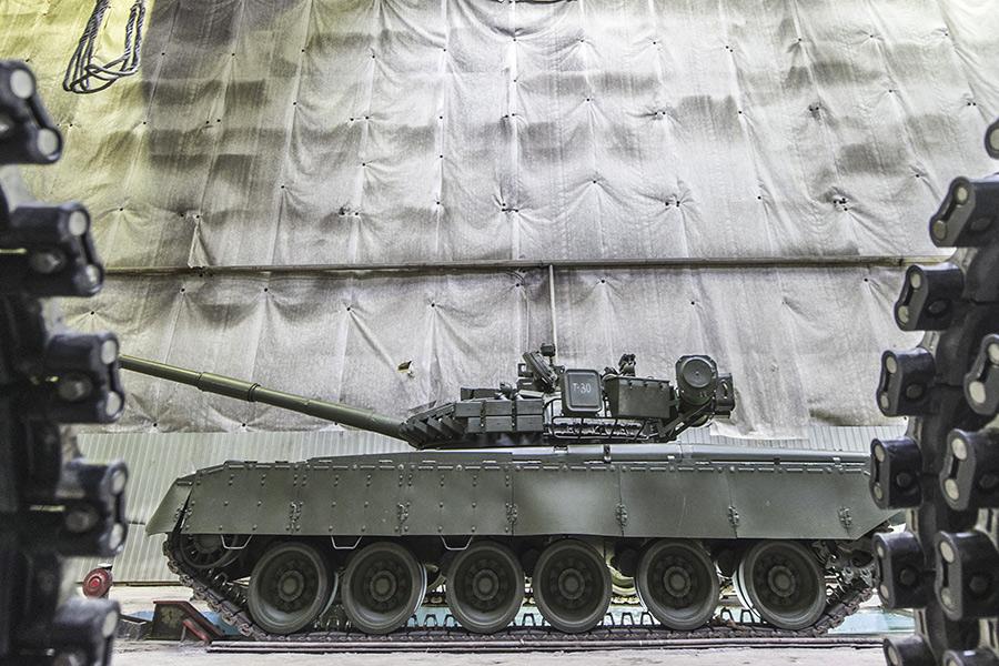 Модернизация танка Т-72 на одном из предприятий Уралвагонзавода