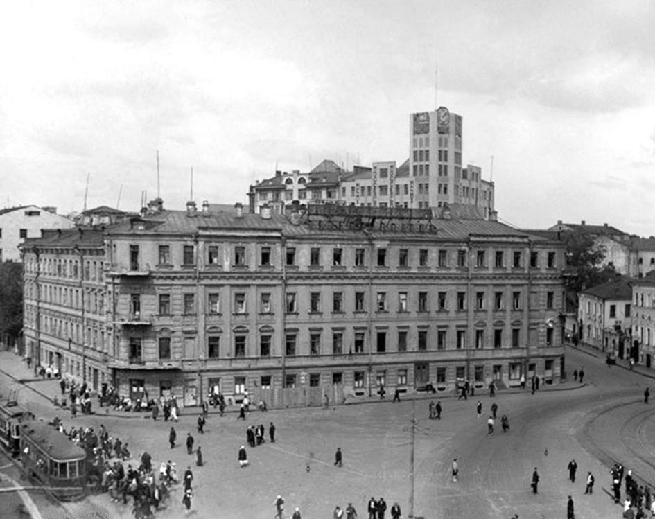 Арбатская площадь в 1930-х годах