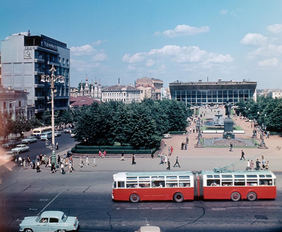 Вид на Пушкинскую площадь, 1967 год